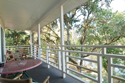 patio with view of Rogue River